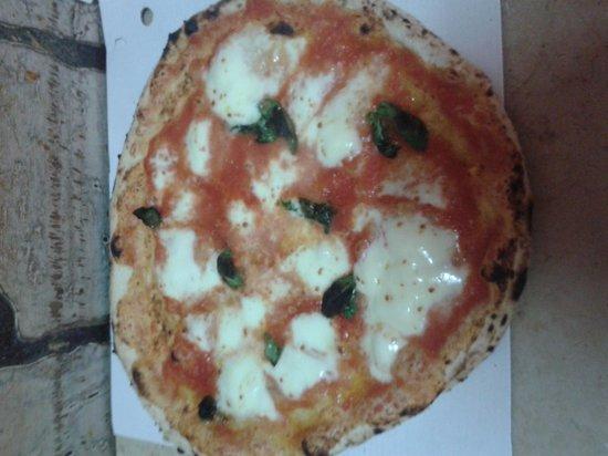 la vera pizza di Mario é questa! Pizzeria al punto giusto . Vi aspettiamo!