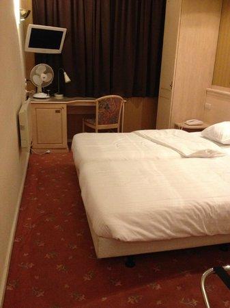 Hotel Capital: the room