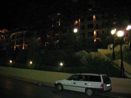 Malina Hotel: Отель и местность