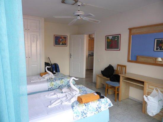 Marola Park : Plenty storage and floor space in the bedroom