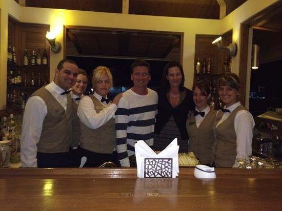 Hotel Melia Marina Varadero: la gang au bar de la marina est très acceuillante!!