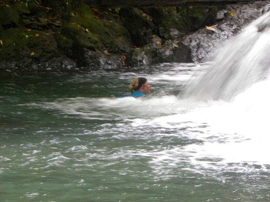 Casa Corcovado Jungle Lodge: Waterfall massage