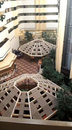 Embassy Suites by Hilton Boca Raton: love their atrium!