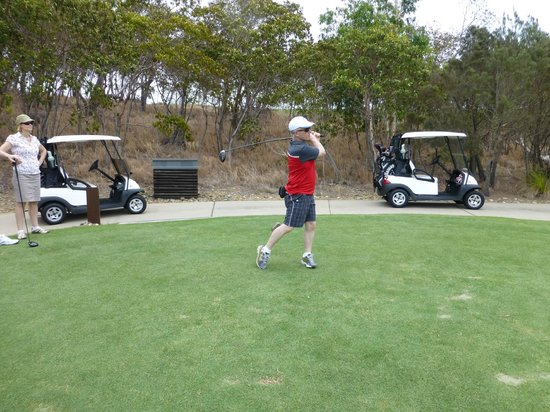 Reef View Hotel: Gold course on Dent Island