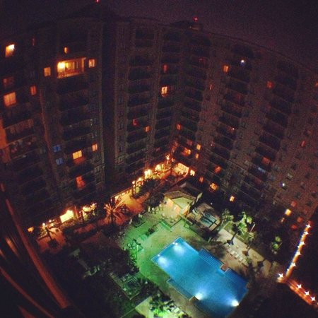 Lake Eve Resort: Vista noturna