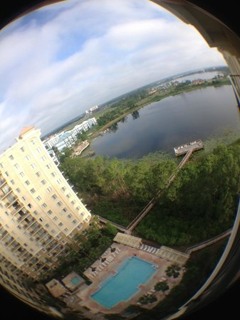 Lake Eve Resort: Vista diurna do lago