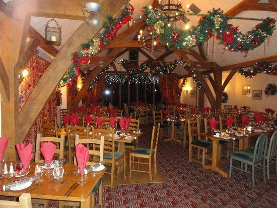 The Oak Room Restaurant - Dainton Park: Oak Room at Christmas 2011