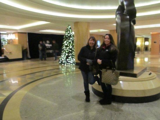 New York Hilton Midtown: hotel lobby