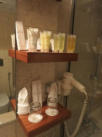 City Seasons Al Hamara Hotel: Perfect choice of the toiletries