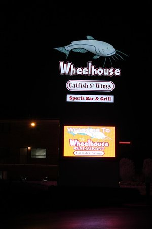 Wheelhouse Restaurant Catfish and Wings: Branson, Wheelhouse, Great Catfish