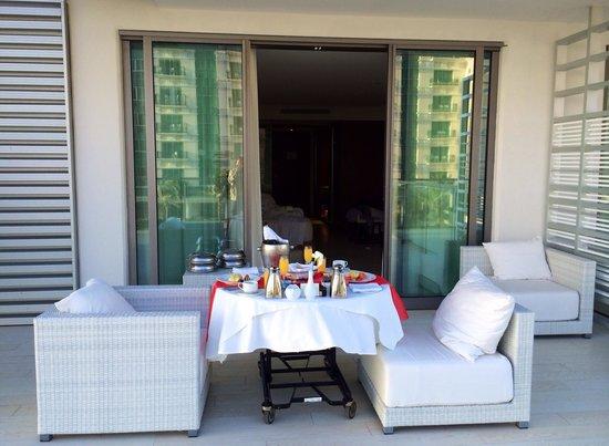 Secrets The Vine Cancun : Breakfast on our balcony