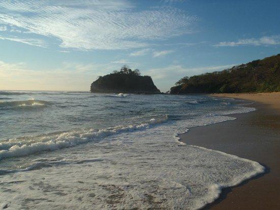 Boutique Hotel Lagarta Lodge : Playa Pelada con la marea alta (A 10 minutos caminando desde el hotel)