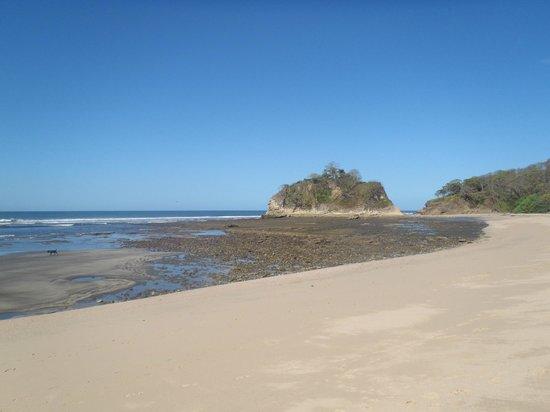 Hotel Boutique Lagarta Lodge: Playa Pelada con la marea baja  (A 10 minutos caminando desde el hotel)