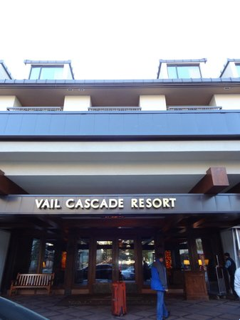 Hotel Talisa, Vail: Front entry of hotel