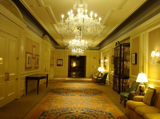 The Henry, Autograph Collection: Ballroom hallway