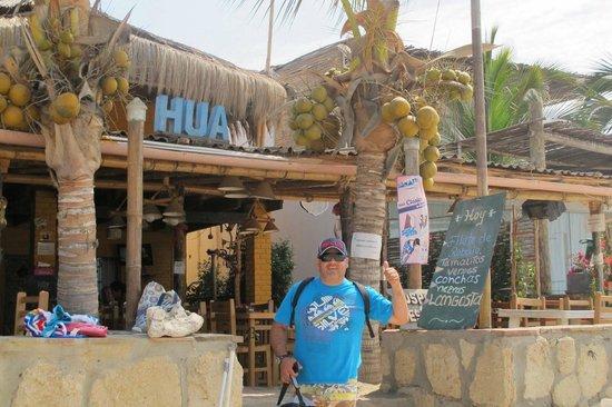 HUA Punta Sal Hotel Restaurante: Hua entrada desde la playa