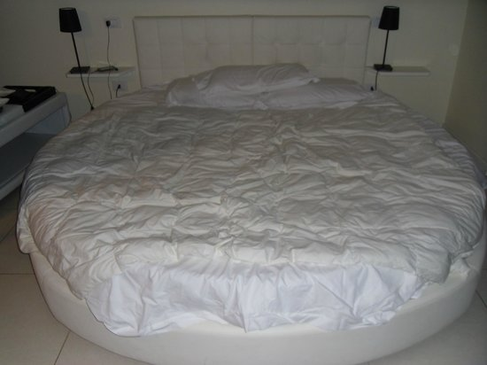 Hotel La Villa Resort: Ring King Size Bed