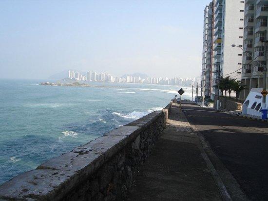 Pitangueiras beach: Vista da praia de Pitangueiras (Morro do Maluf).