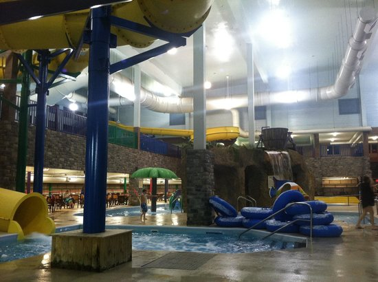 Castle Rock Resort & Waterpark: View from outside the Tower Grill
