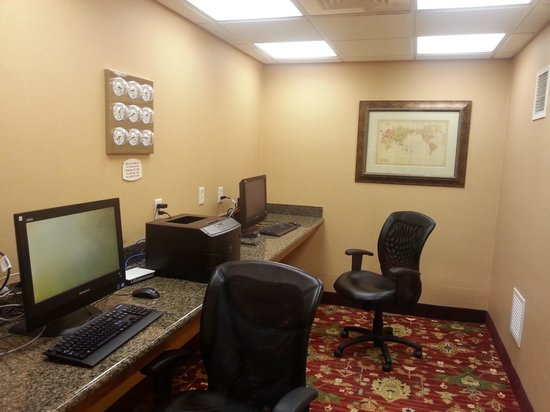 Residence Inn Newport Middletown : Business Center