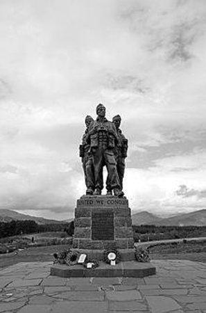 Commando Monument: Who Dares Wins!