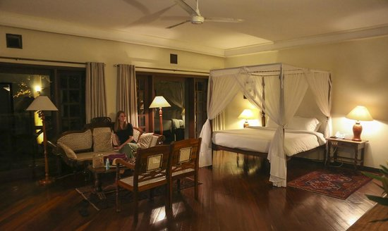 Safari Park Hotel : Our room