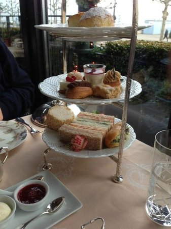 Hotel d'Angleterre: afternoon tea sandwiches and cakes