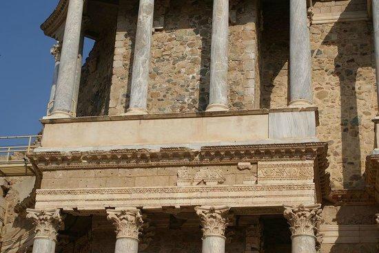 Roman Theater (Teatro Romano): Escenario teatro