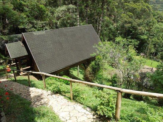 Pousada Rancho Das Framboesas: Vista do chalé da ladeira