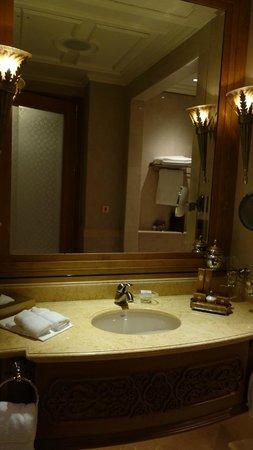 Emirates Palace: 洗面台