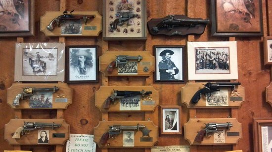 Pistol Pete's : Decor