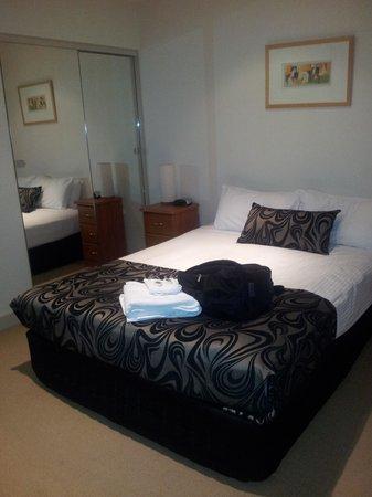 BreakFree on Collins: Main bedroom.