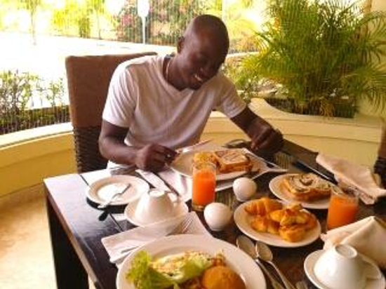 Royal St Lucia Resort and Spa : breakfast, the 'looshan' way!