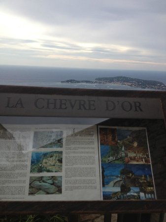 Chateau de la Chevre d'Or: sign