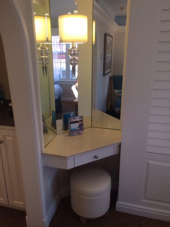 The Don CeSar: bedroom vanity