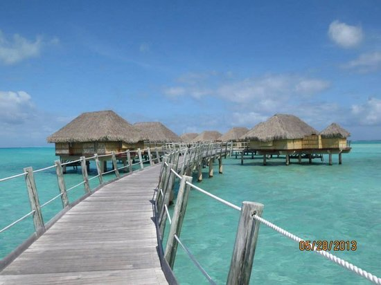 Le Taha'a Island Resort & Spa: Just like a postcard!