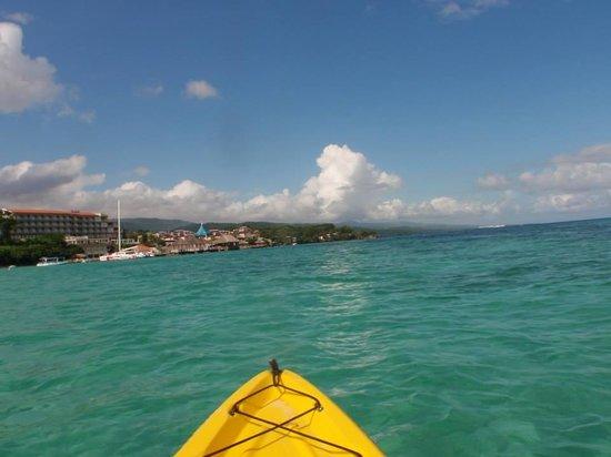 Sandals Ochi Beach Resort: Enjoying the watersports