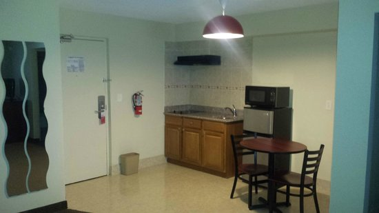 Ramada Rockaway: Kitchen Area in Suites