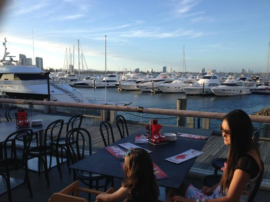 Ribs and Rumps Marina Mirage: Great view on a warm Gold Coast evening