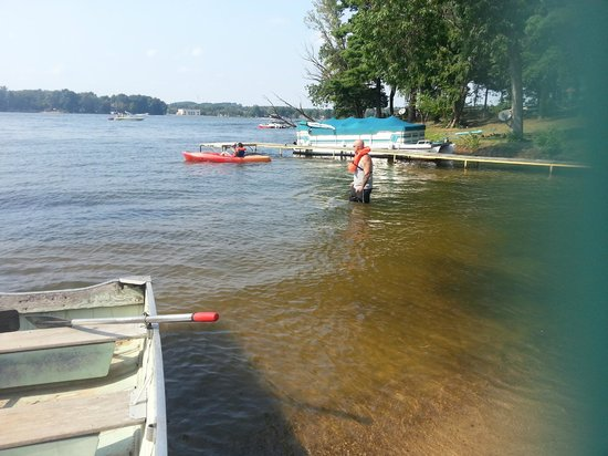 Baker's Sunset Bay Resort: Lake Delton