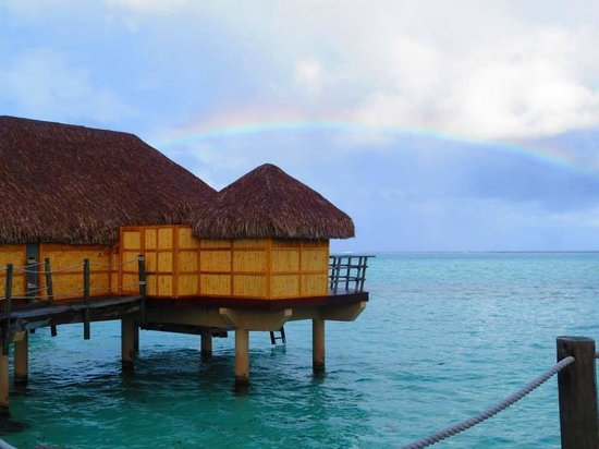 Le Taha'a Island Resort & Spa: A rainbow over paradise!