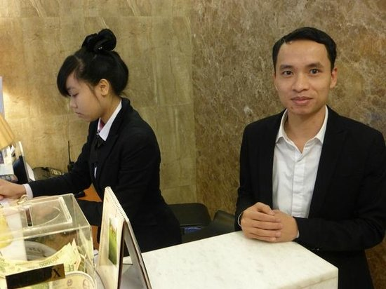 Golden Art Hotel: Staff