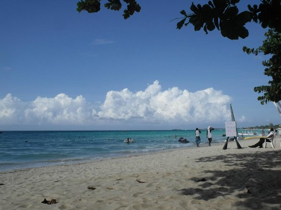 Grand Pineapple Beach Negril: Plage