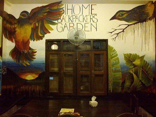 Backpackers Garden: That art inside the building.