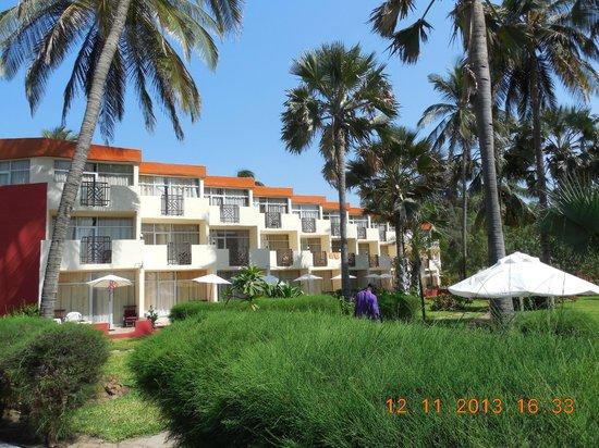 Kombo Beach Hotel: jeden z bloków hotelowych