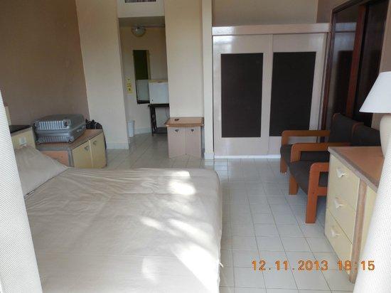 Kombo Beach Hotel: pokój