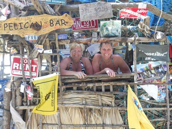 Danny's Island Excursions : Inside the bar