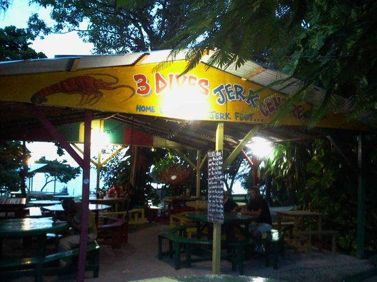 Danny's Island Excursions : 3 Dives Jerk Centre - West End Negril