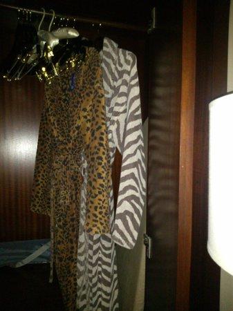 Palomar San Diego, A Kimpton Hotel: Animal print bathrobes :)
