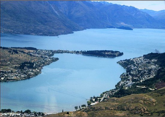 Glenorchy Air: Perspective - Queenstown and Lake Wakatipu